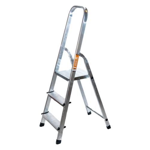 Стремянка Вихрь 73/5/1/1 алюминий 3ступ. H1.25м макс.нагр.:150кг лестница вихрь лта 4х3 алюминий 3ступ h3 3м макс нагр 120кг 73 5 1 14