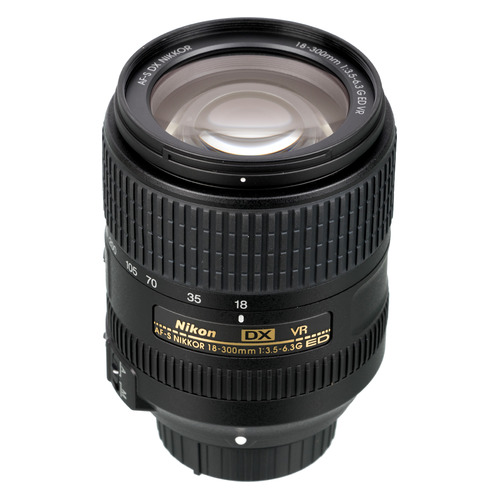 цена на Объектив NIKON 18-300mm f/3.5-6.3 AF-S DX Nikkor ED VR, Nikon F, черный [jaa821da]